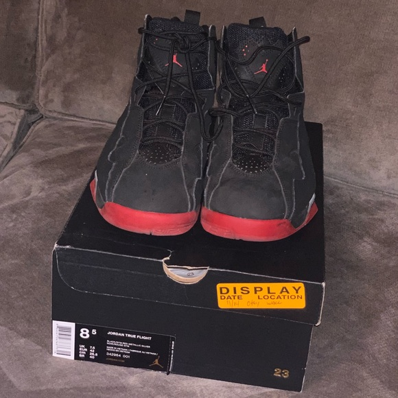 13a7ce850714d5 Jordan Other - Men Jordan True Flight Size 8.5